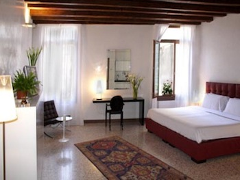 Angelo Green is one of the best apartments in Italy. It has full air conditioner apartments including panoramic sight in lovely Campo Saint Angelo. It can be measured around 45 mqs. Rooms with beams s