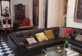 Apartment placed in historical building (former theater), totally reformed (2009). This  two-bedroom furnished apartment is 147 sq.m and is located . The apartment has 1 bathroom. The minimum length o