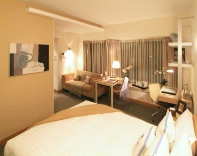 This place is ideal for Business Traveller with comforatble offer as multi-lingual staff, housekeeping with daily maid service, 24-hours concierge & security, Hanlun Fine Vine & Privillege Card, IT su