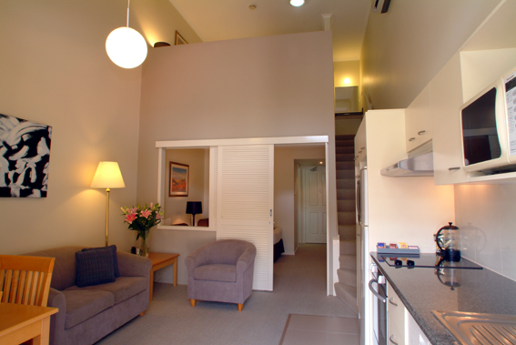 Quest on Story Bridge - your serviced apartment, Brisbane accommodation located in Kangaroo Point and only 600 metres from Brisbane's bustling CBD. Quest on Story Bridge offers a range of comfortable