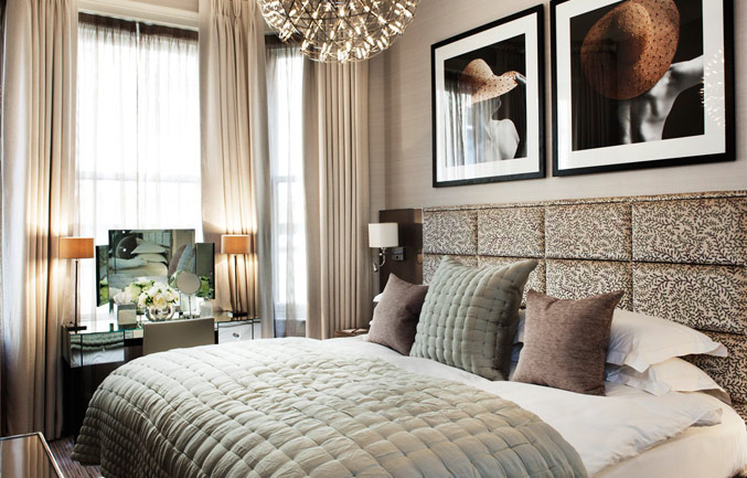 With your own front door in Mayfair, discreet internal access to the athenaeum and our five star support, our luxury serviced apartments feel like a real home from home. Enjoy complete privacy while y